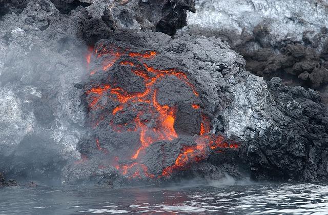 hořící láva