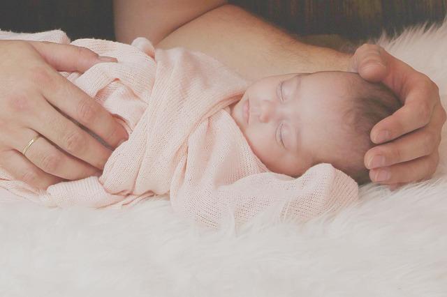 roztomilý novorozenec.jpg